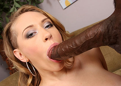 Kagney Linn Karter banged by a hung black guy from Blacks on Blondes